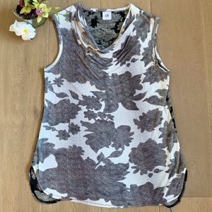 CAbi Blouse 🌸 Small